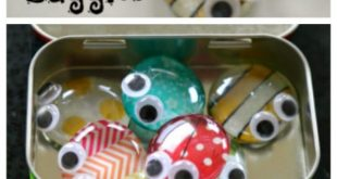 Cute Altoid tin project to reuse those tiny containers. Make a fun travel toy fo...