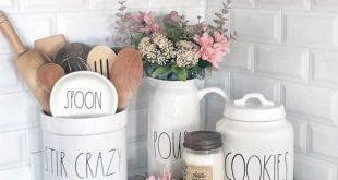 35 Favorite Farmhouse Summer Decor Ideas