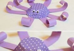 Cupcake Liner Octopus Craft for Kids - This is such a cute, easy-to-make ocean c